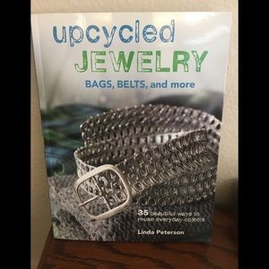 UPCYLED Jewelry D.I.Y. Book